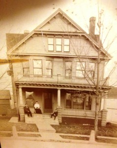 Home in the 1500 block of South Holmes, probably in the early 1900s (Sangamon Valley Collection)