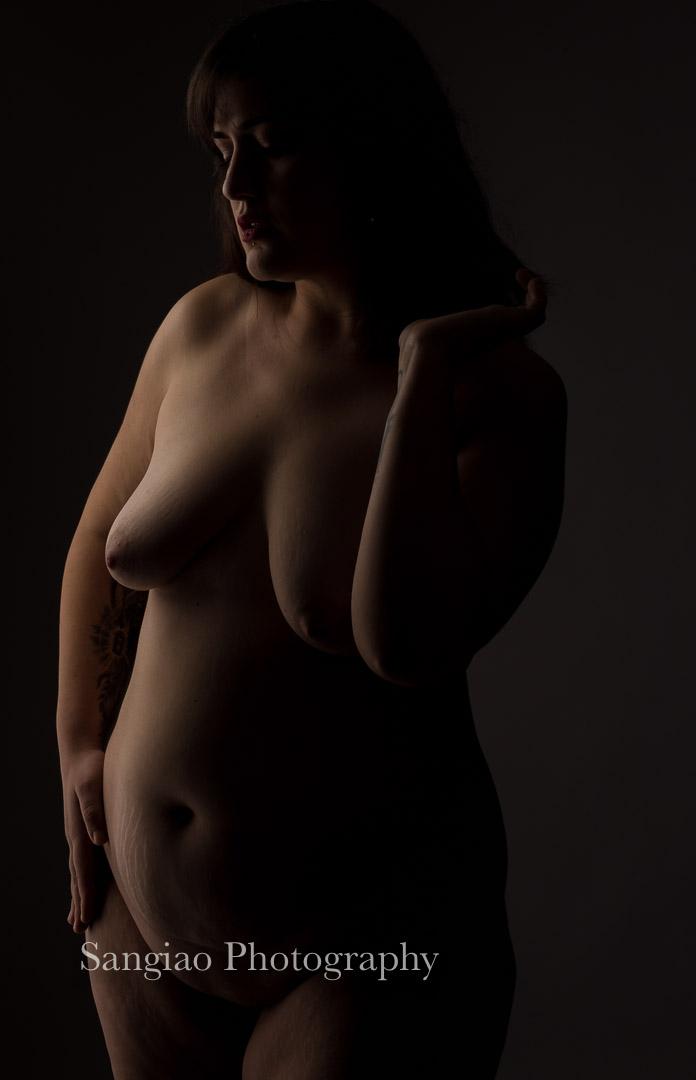 desnudo artístico de mujer plus size