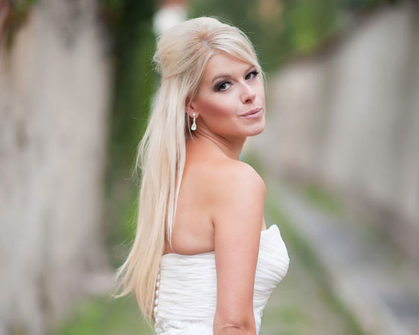 straight long blond bridal hairstyle
