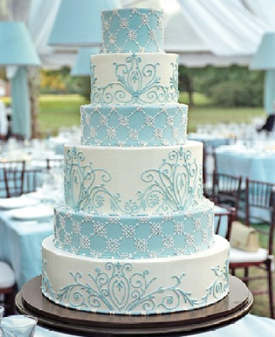 dramatic blue wedding cakes trend in 2010