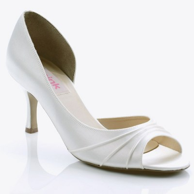 white bridesmaid shoes with high heel