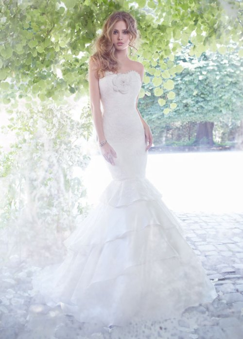 alvina valenta ivory lace organza bridal gown