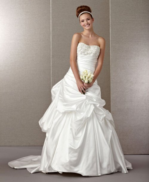 chic fuss free wedding gown