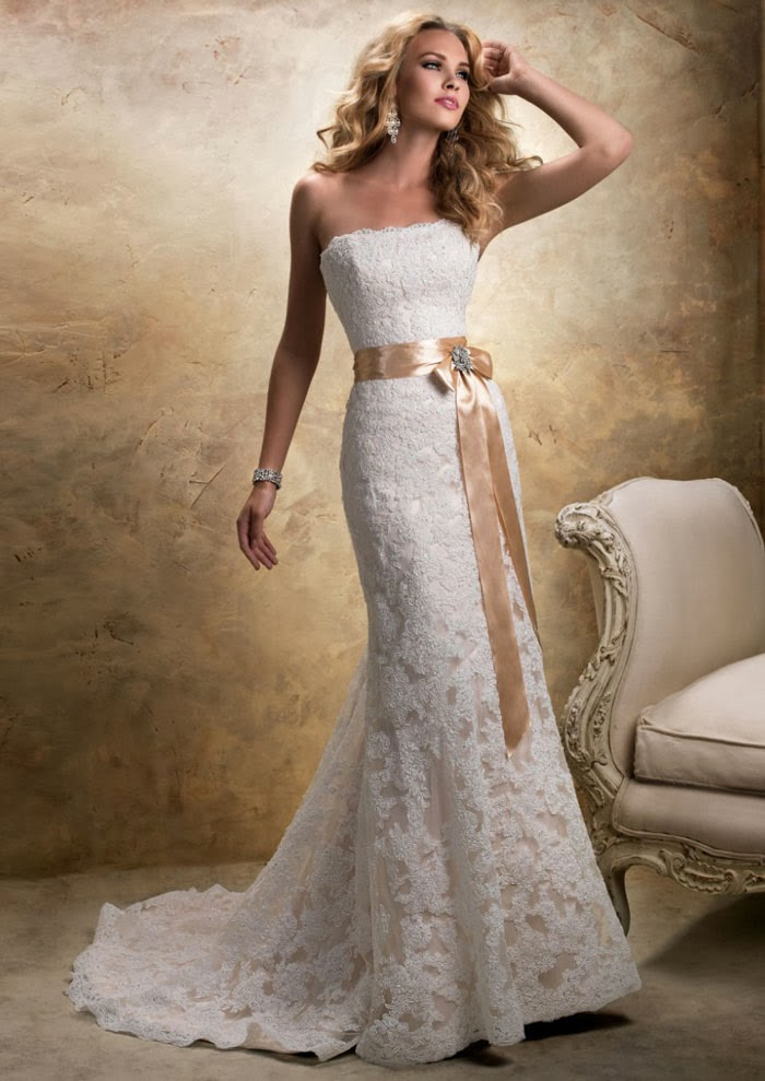 Strapless Lace Wedding Dresses  Style To Look Classical  Vintage  Sang Maestro