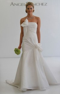 wedding dress with a bow neckline | Sang Maestro