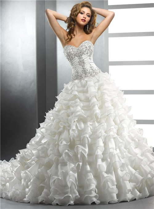 royal ball gown ivory wedding dress with beading embroidery ruffles