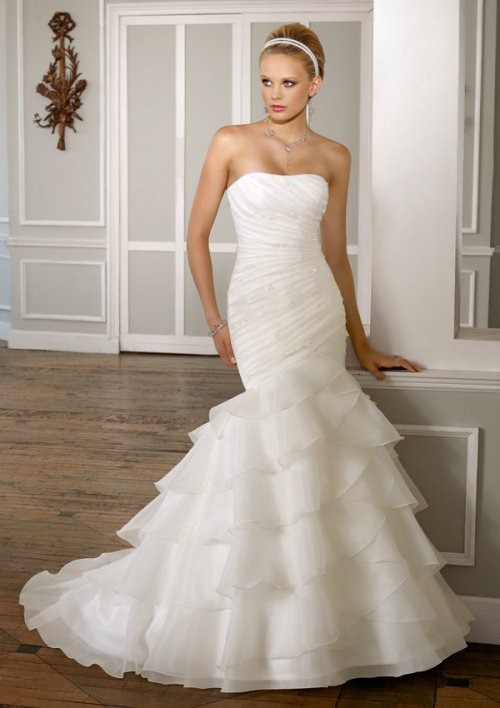 Chic Wedding Dresses to Admire You Sang Maestro