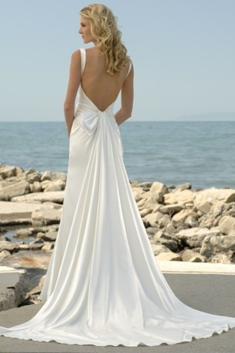 Gorgeous backless beach wedding gowns sang maestro for Gorgeous beach wedding dresses