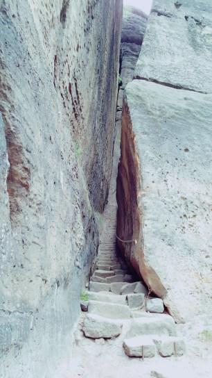 Die versteckte steinerne Trepp (II)