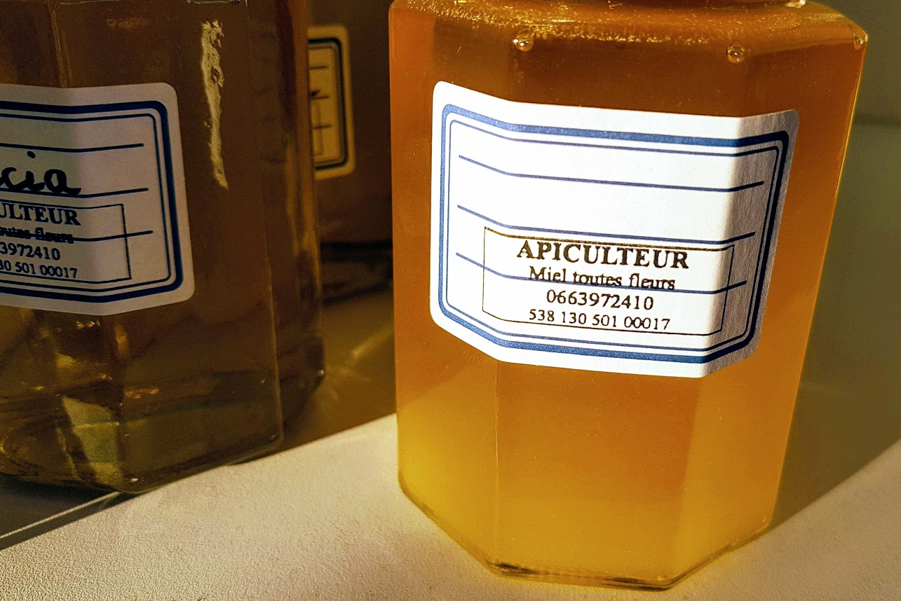 http://chateau-landon.com/les-entreprises/4132/les-abeilles-de-grands-moulins/