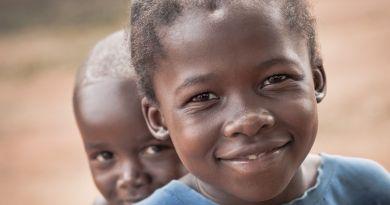 """""""África, un encuentro de miradas"""" una serie fotográfica de Esteban Tapella"""