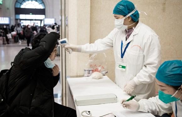 China: un equipo de la OMS visita el hospital de los primeros casos de coronavirus