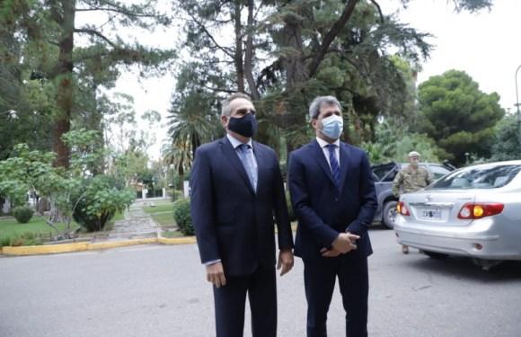 Uñac y Rossi visitaron el RIM 22 y reconocieron la labor del Ejército tras el terremoto