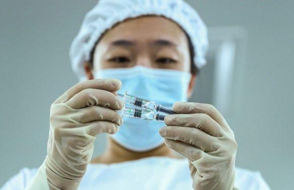 El Gobierno apura negociaciones con China para destrabar la llegada de 1 millón de vacunas