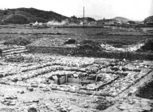 昭和38年の発掘調査中の伝飛鳥板蓋宮跡(県提供)