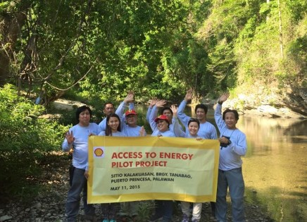 2 Shell Philippines Access to Energy Team, closer shot