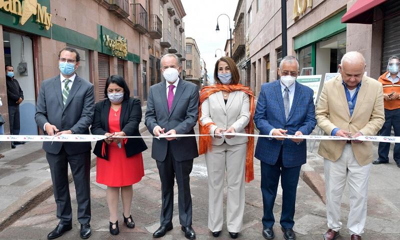 Inauguró JM Carreras la rehabilitación de la Calle 5 de Mayo