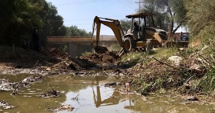 Obras de desazolve para mejorar calidad de vida y salud en Villa de Reyes