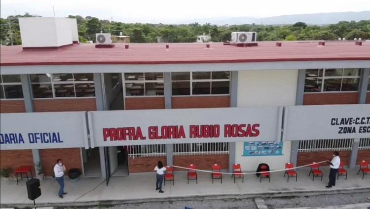 En Ciudad Valles se han invertido más de 206 MDP para mejorar las escuelas: JRD