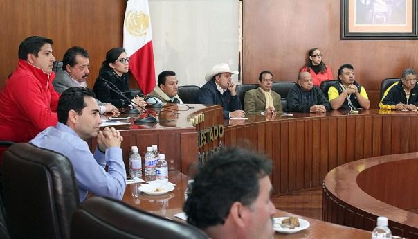En reuniones los integrantes de la asociación UNESTA manifestaron su disposición para trabajar en la integración de una reforma que permita beneficiar a los trabajadores del transporte potosino y abatir el pirataje