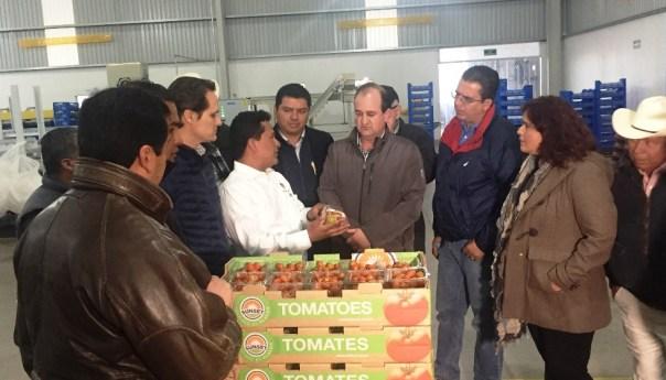 Federación Garantiza Apoyos para combatir Mosca de la Fruta en el Estado