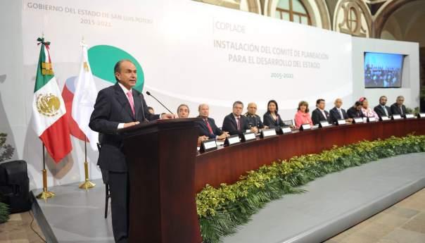 Atiende Gobernador Carreras López, a integrantes del Consejo Consultivo Indígena, para incluir sus propuestas en el Plan Estatal de Desarrollo