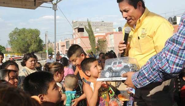Ricardo Gallardo Inicia Festejos por el día del Niño en Colonias Populares