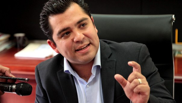 Es necesario que los 58 Alcaldes tomen las previsiones necesarias para tomar las medidas preventivas que permitan evitar endeudamientos: Enrique Alejandro Flores