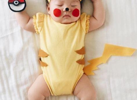 Bebé con tiernos disfraces la rompe en internet