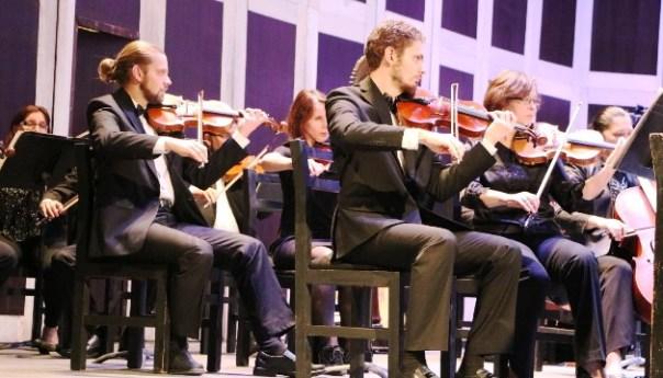 Dos grandes músicos mexicanos se presentan con la Orquesta Sinfónica de San Luis Potosí en el Teatro de la Paz
