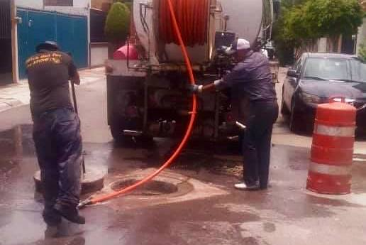 Gobierno municipal desazolvará drenajes y reparará fugas de agua potable en nueva progreso