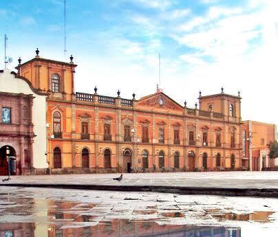 UASLP Primera Universidad Pública en México, en la formación de Médicos  de calidad