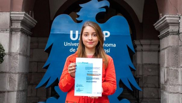 Universitaria distinguida con Premio Clara Porset para diseñadoras más creativas