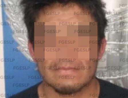 En pozos SLP fue detenido por FGE un hombre sorprendido con varias dosis de droga