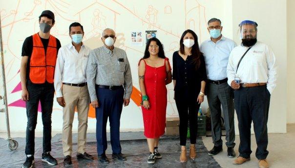 Participan artistas potosinos en pinta de murales en el nuevo CJM