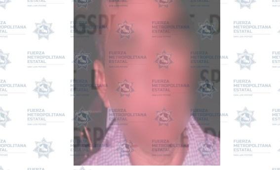 Policías de la UEAVG detienen a hombre por violencia familiar