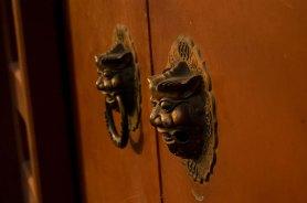 zhangzizhonglu_doorknobs