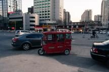 En typ av taxi. Första gången jag ser en sån här, men liknande finns massvis av.