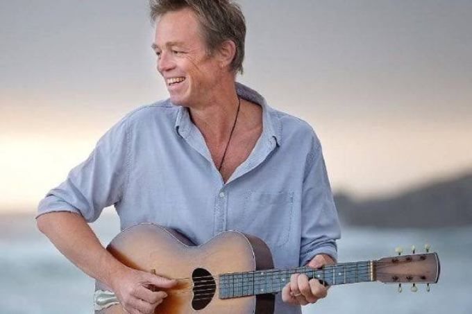 Valiant Swart (born Pierre Nolte, 25 November 1965), is a South African musician, Afrikaans folk rock singer/songwriter and actor from Wellington.