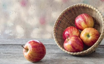 Изгонете доктора с ябълки