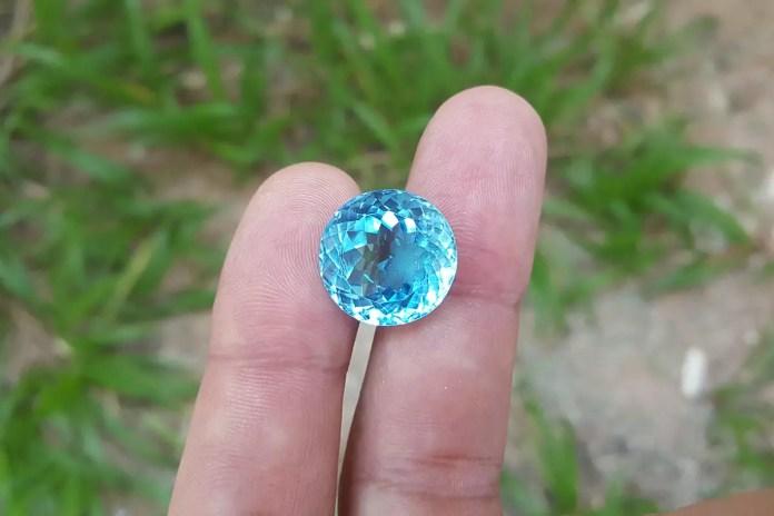 Скъпоценните камъни и зодиите - Топаз