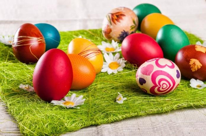 Велики четвъртък - боядисване на яйца
