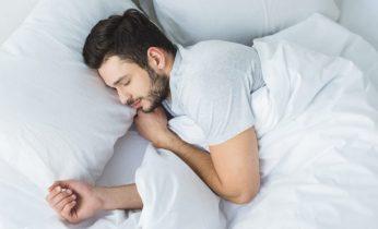 4 Beneficios De Dormir Con Un Diente De Ajo Debajo De La Almohada 12