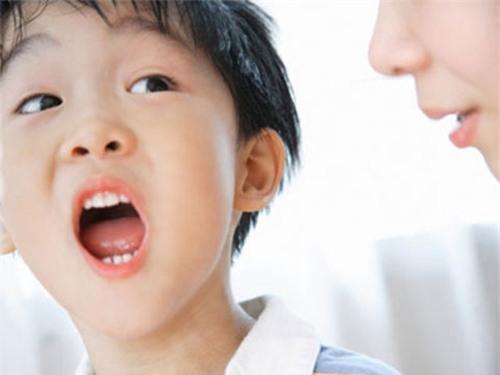 Thực phẩm chức năng và chứng nói lắp ở trẻ em