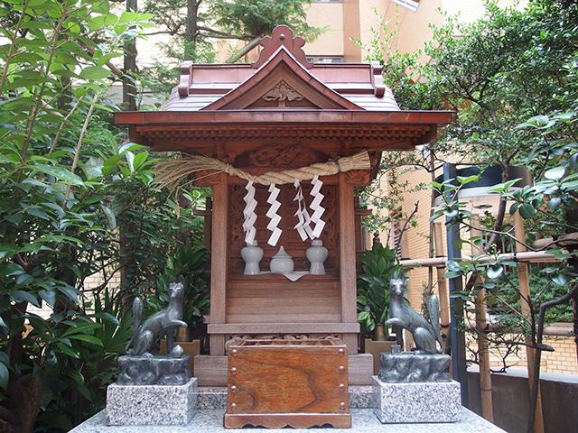 稲荷神社(中央区日本橋箱崎町)写真