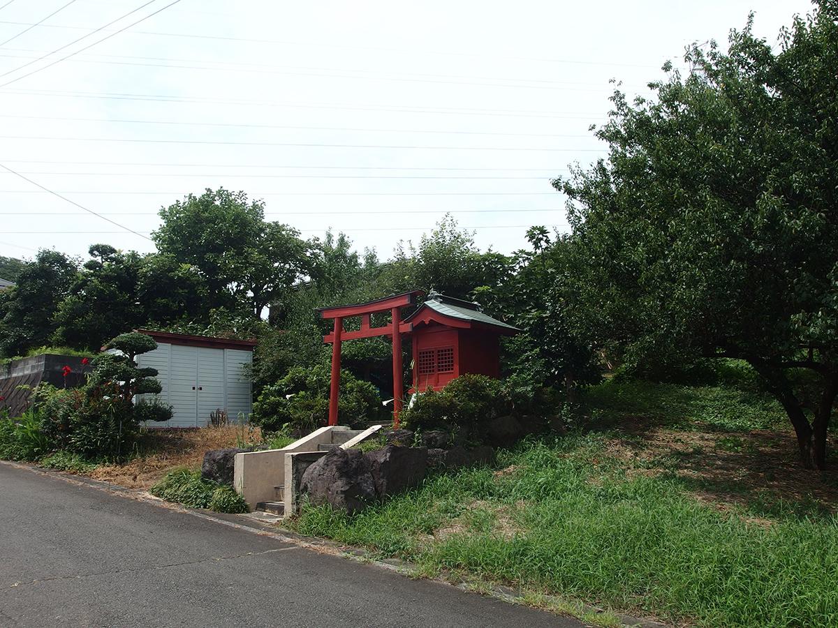 稲荷神社(横浜市緑区鴨居町848付近)写真
