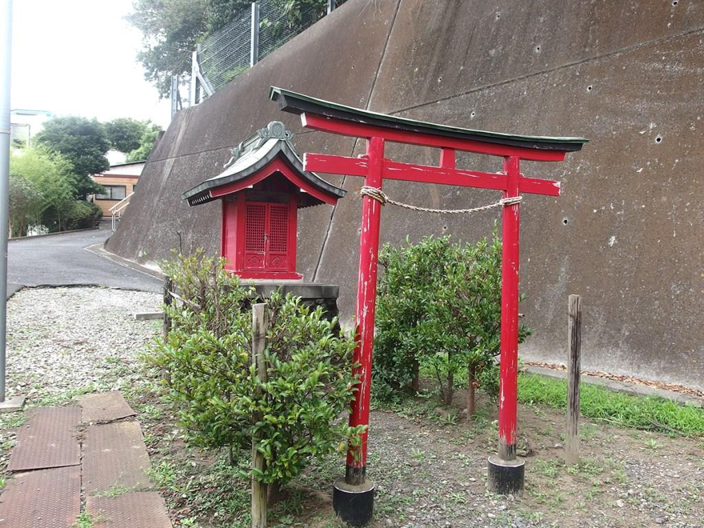 稲荷神社(横浜市鶴見区駒岡3-4)