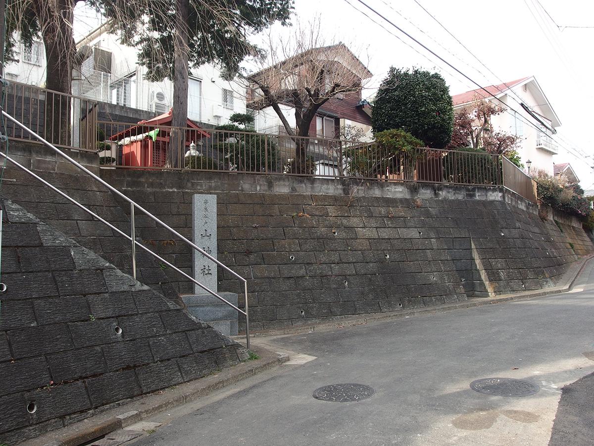 奈良谷戸山神社写真