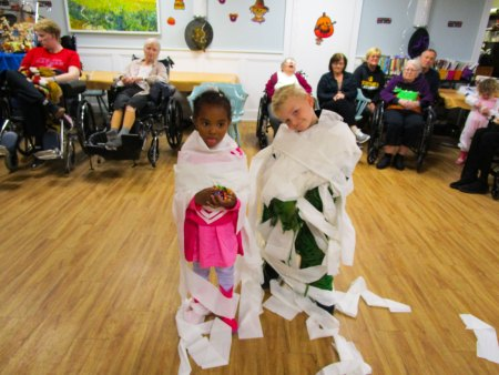 Trick-or-Treat Party mummies