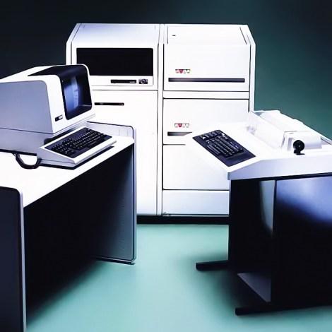 PDP-11/44 (1979): Ο τελευταίος PDP που κατασκευάστηκε με διακριτά στοιχεία (discrete logic). Μπορούσε να δεχτεί έως και 16 επεξεργαστές AMD Am2901.